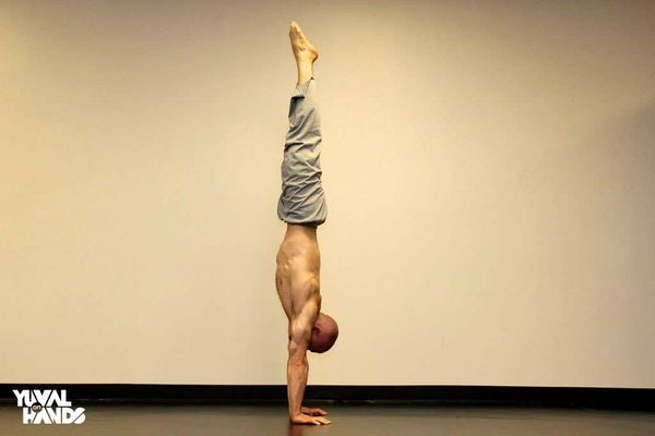 Yuval handstand